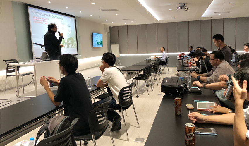 VST ECS (Thailand) together with Hortonworks sponsored OSEDA